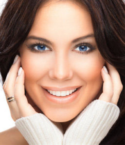 Teeth Whitening in Newmarket (beautiful woman with a great smile)